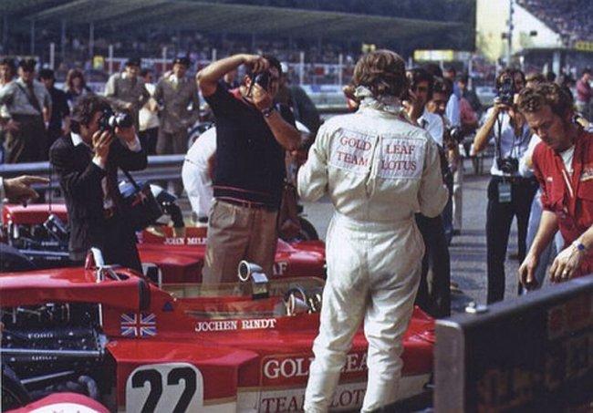Un jour avant le fatal accident  Jochen Rindt dans un pub à Monza.