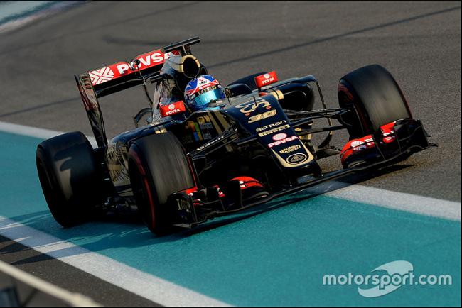 3 decembre 2015 essais privés pirelli à Abu Dhabi circuit Yas Marina