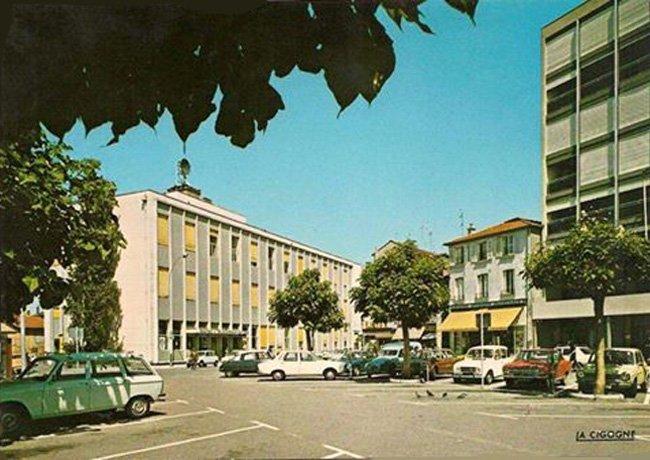 n7-la-poste-place-du-palais-de-justice
