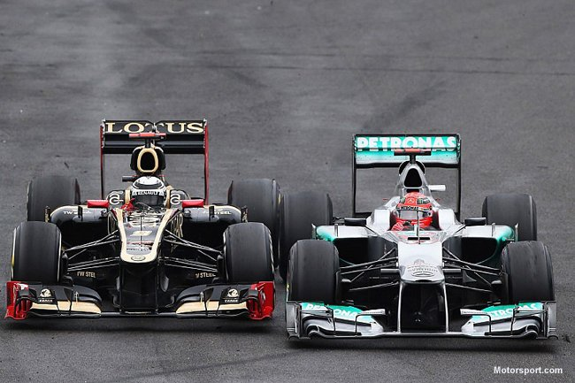 f1-brazilian-gp-2012-michael-schumacher-mercedes-amg-f1-and-kimi-raikkonen-lotus-f1-battle