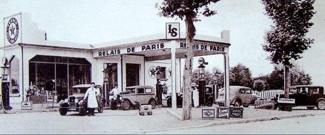 sur-la-route-des-vacances-une-station-service-sur-la-nationale-7-dans-les-annees-40-50-photo le progrés